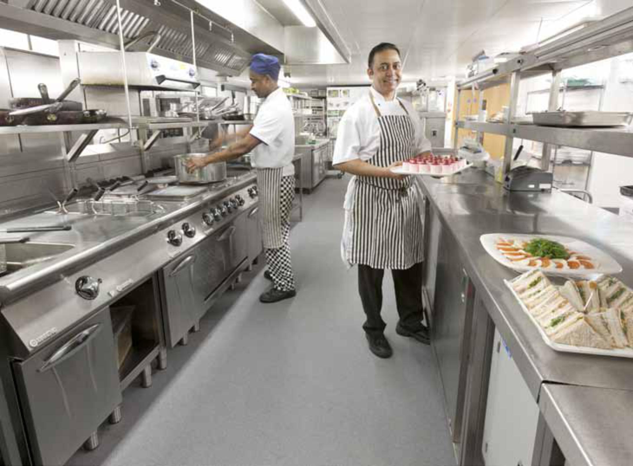 ns-flooring-bristol-limited-radisson-blu-hotel-kitchen-altro-flooring